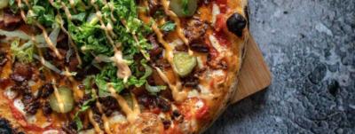 Пицца чизбургер с двойной порцией бекона